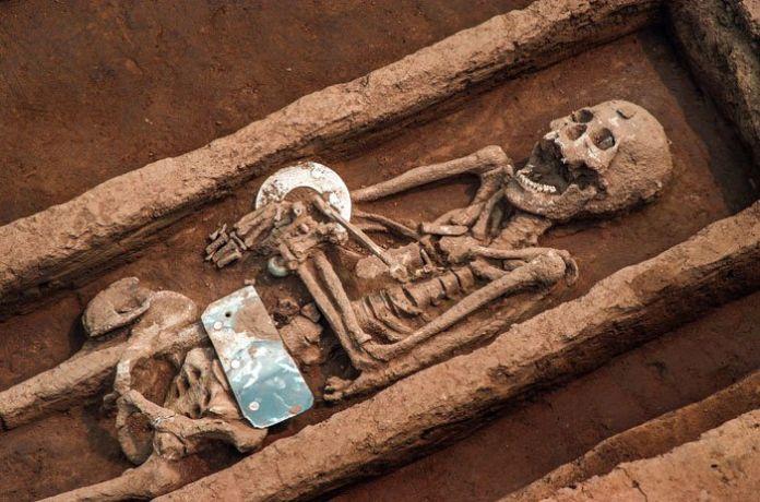 239872347 graves china 1